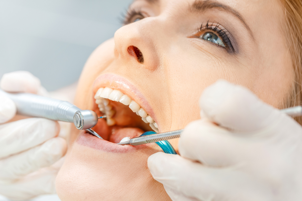 Can a family dentist in Boynton Beach treat gum disease?